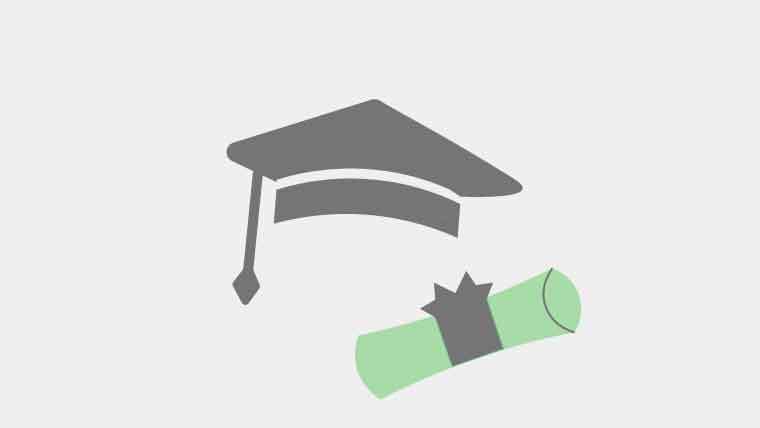 大学院の帽子と卒業証書